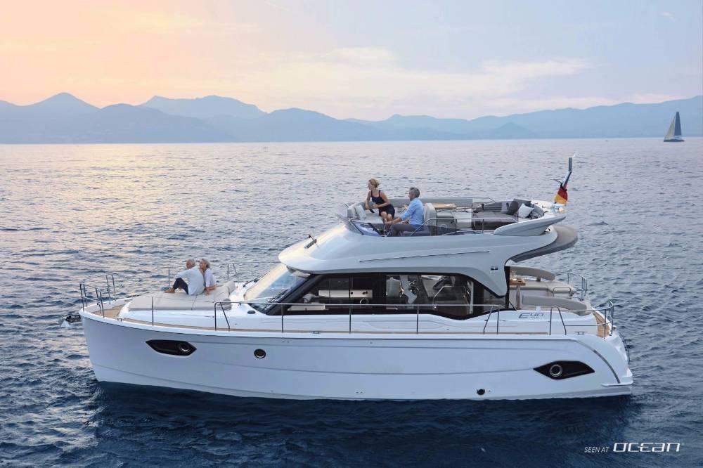 Charter bavaria e40 fly motor yacht rental split croatia for Motor yacht charter croatia