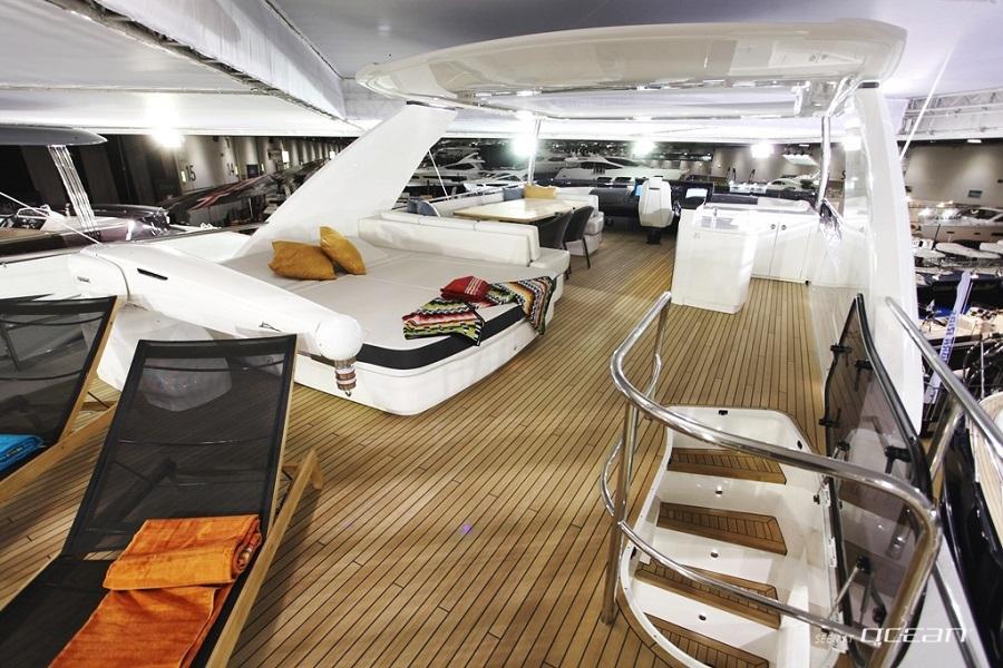 Motor Yacht Minx For Charter